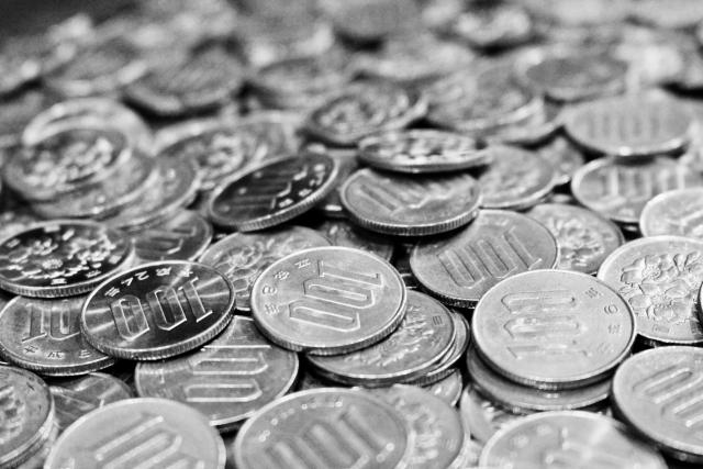 【100円玉貯金】開封動画!!満杯になった貯金箱の中はいくらになる?!
